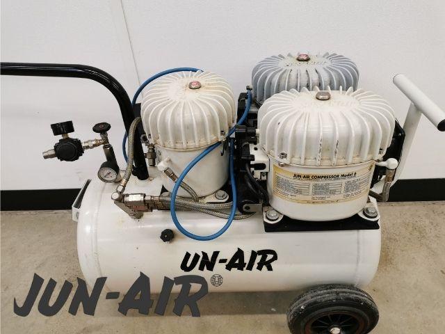 Jun-Air 18-40 medical oil compressor